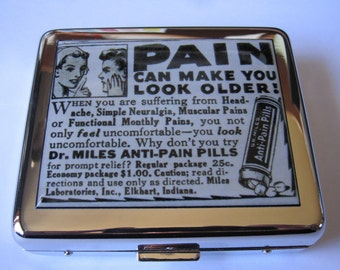 Pain Can Make You Older 8 Day  Pill Box Pillbox Vintage Image