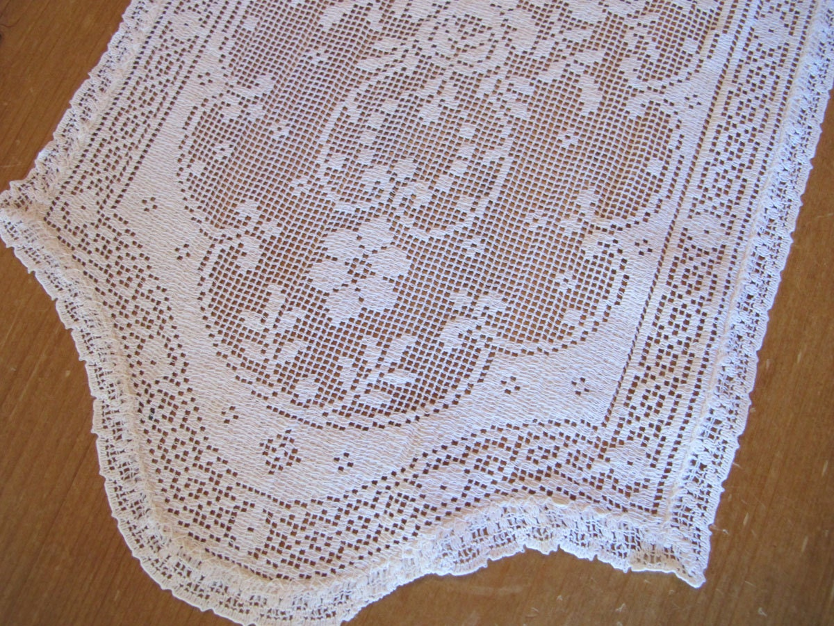 Small Lace Doily White Dresser Scarf Mid Century Household