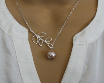 Soft Beige Pearl Lariat Necklace