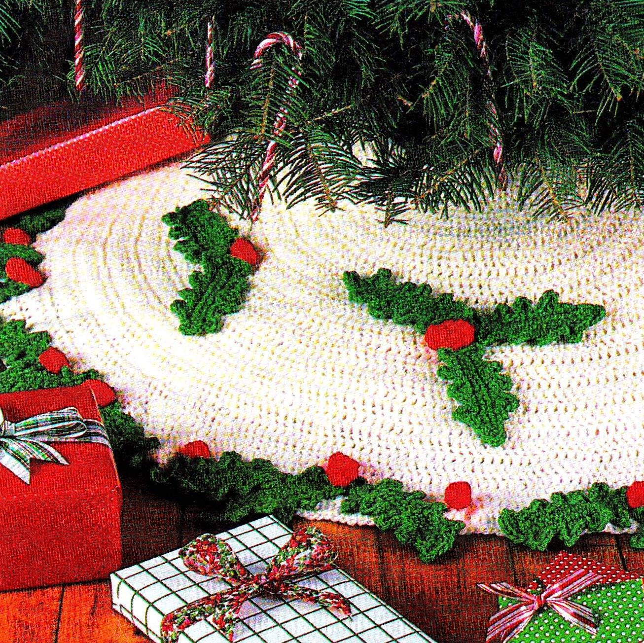 Easy Knitting Pattern For Christmas Tree Skirt : Instant download pdf vintage crochet pattern christmas tree