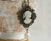 Cameo Necklace, Victorian Cameo, Gift for Her, Vintage Wedding, Bridesmaid Gift, Black Cameo Pearl Pendant, Mother's Day Gift, Bride Jewelry