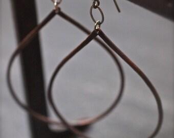 Big beautiful hanging hammered lightweight copper oval teardrop earrings