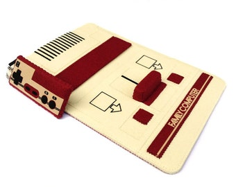 iPad Mini/Samsung Galaxy Tab/Nook/Kindle: Famicom Felt Case