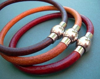 Leather Bracelet with Stainless Steel Magnetic Clasp, Mens Bracelet, Womens Bracelet, Mens Jewelry, Womens Jewelry