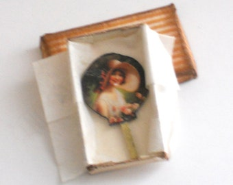 Miniature Vintage Ladies Fan in Box