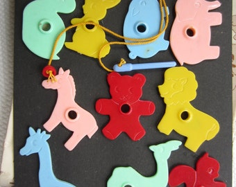 Vintage Colorful Animals Hankscraft String Animals Educational Toy