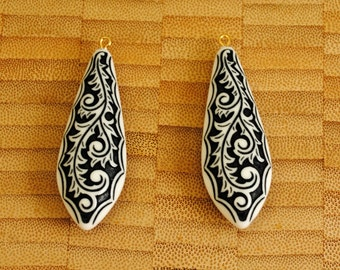 Pair of Vintage Black and White Scrolled Lucite Pendants/Drops with Bails
