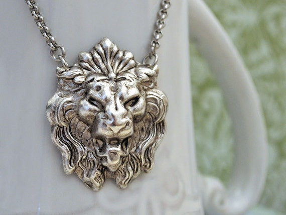 The Brave One, silver lion pendant, statement necklace, large pendant, antique silver plated lion head necklace with rolo chain