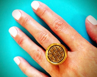 Groove  vintage button ring