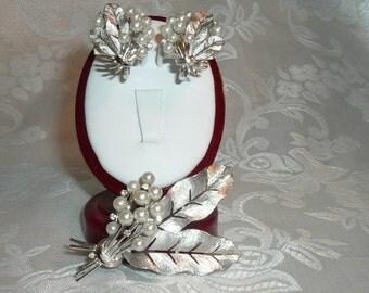 Elegant Crown Trifari Simulated Diamond / Pearl Fall Brooch & Earring Set - FREE SHIPPING