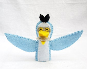 Great blue heron, great blue heron finger puppet, felt finger puppet