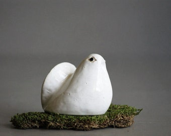 Vintage White Bird Figurine from the 1970's, Christmas Dove, Holiday Decor