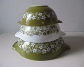Vintage Pyrex Spring Garden mixing bowls Pyrex cinderella bowls