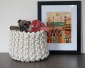 Medium knit rope basket