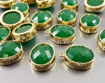 2 palace green faceted oval glass cabochon in hammered bezel setting for jewelry making / glass beads 5074G-PG (gold, palace green, 2 pcs)