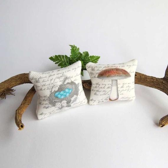 Dollhouse Shabby chic autumn cushions in 1/12 scale
