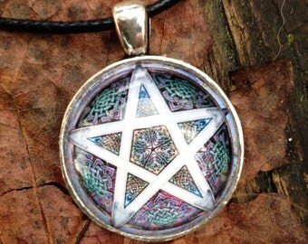 Wiccan Pentacle P1 Pentagram Glass Necklace Witchcraft Pagan