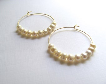 Gold hoop earrings with ivory freshwater pearls, modern geometric jewelry, bridesmaid gift idea