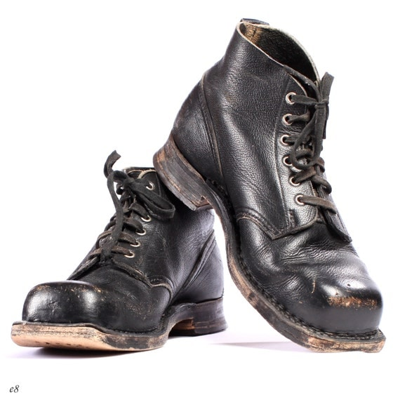 Mens Combat Boots Sale: Save up to 50% off! Shop heresfilmz8.ga's selection of men's combat boots, available in black, brown, leather, and many more colors and materials. Over styles in stock from top brands like Dr. Martens, Ariat, Demonia, Georgia Boot, Carolina, and Rocky.
