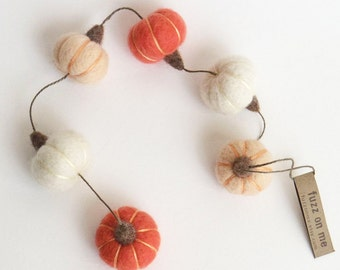 Miniature pumpkin garland : needle felted pumpkins v3 - peach, white, coral pink Fall decor