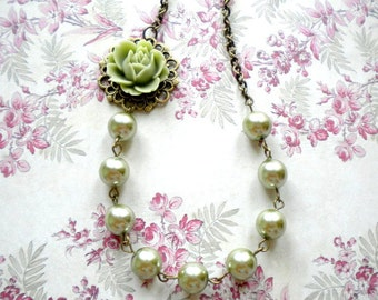 Rose Necklace Flower Necklace Green Necklace Green Bridesmaid Necklace Maid Of Honor Gift Green Wedding Jewelry Green Pearl Necklace
