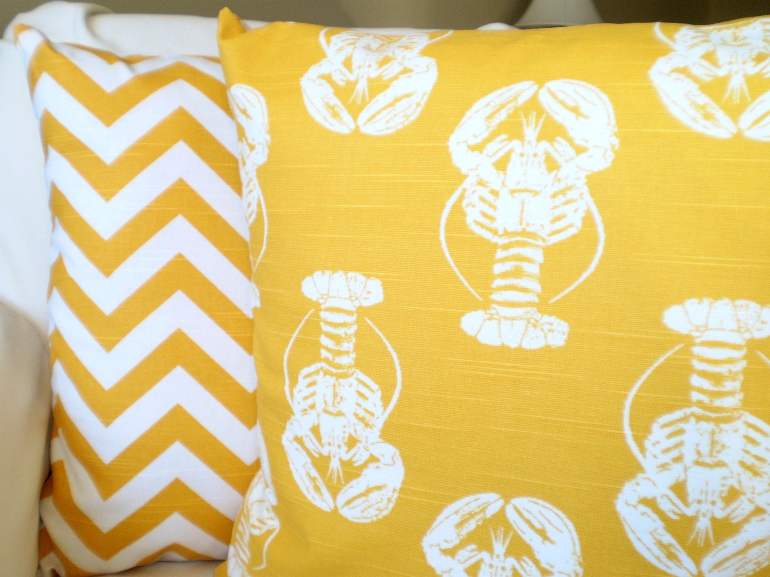 Pale Yellow Decorative Pillows : Yellow And White Throw Pillows