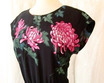 sale 80s does 40s Chrysanthemum Blooms & Leaves Dress w/ Open Back Mermaid Tail Black Pink size M