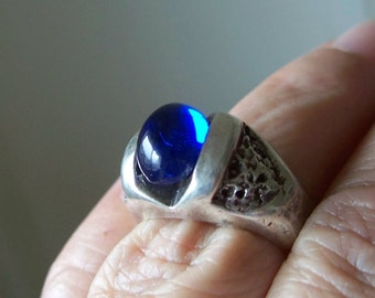 SALE Modernist Sterling Silver Blue Sapphire Glass Ring Cobalt Blue Studio Artisan Size 6