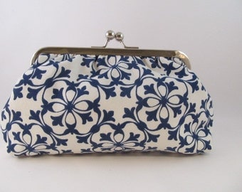 Blue and White Clutch Purse-Purse-Handbag-Kisslock-8 inch-Retro clutch