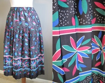 1980s Graphic Print Skirt Vintage Black Floral XS Small