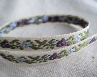 Baby Roses in PURPLE on NATURAL Jacquard Ribbon