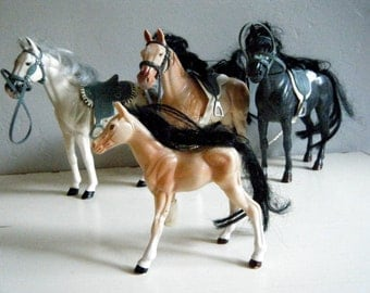Horse and Pony Toys, Set of 3 Horses and 1 Foal with Missing Leg, Silver, Black and Tan Sable Colors, Western Pretend Play
