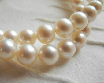 Freshwater Pearl White Round Cultured  8mm 8.5mm  AAA Half Strand 26 Pearls