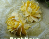 34-00-BK 2pcs Hight Quality Cabbage Rose Cabochon - Yellow/  White Edge