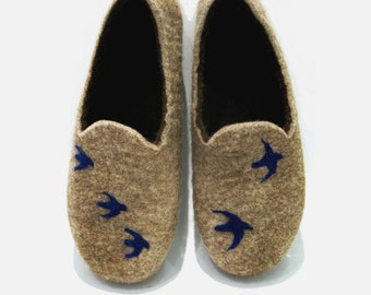 Felted slippers - Womens felted slippers with birds - Natural indoor slippers