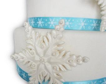edible sugar snowflakes set of 3 pearl white