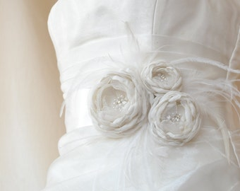 Handcrafted Three Rose With Feathers Ivory Wedding Bridal Sash Belt