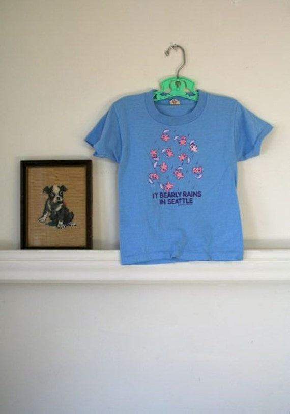 LAST CALL... sale // vintage kids t-shirt - SEATTLE souvenir blue t-shirt / 4-5t (low domestic shipping)