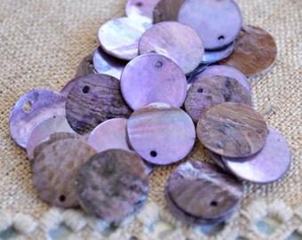 25pcs Mussel Shell Pendant Natural Drop 20mm Round Light Purple