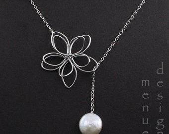 Flower and Pearl Lariat/White Pearl Lariat Necklace/Bridal Jewelry/Bridesmaid Necklace/Jewelry Gift for Her/ Silver Necklace/Botanical