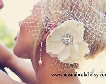 Ivory Bridal Hair flower / rhinestone flower vintage style rhinestone center ivory champagne flower hair clip / FLORENTINE