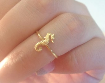 Seahorse ring, Seahorse Knuckle Ring, Gold seahorse ring, midi rings, gold midi rings, knuckle rings, gold knuckle rings, gold stacking ring