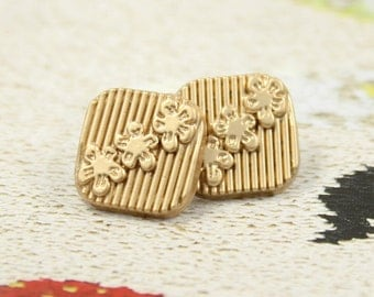 Metal Buttons - Flower Line Metal Buttons , Pearlized Gold Color , Square , Shank , 0.47 inch , 10 pcs