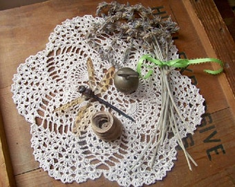 Pineapple doily, crochet, in natural color