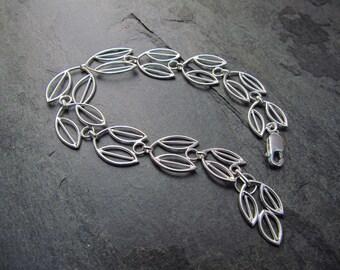 """Olive Branch Bracelet, Linked tapered leaves, Choose your metal, Length 7"""""""