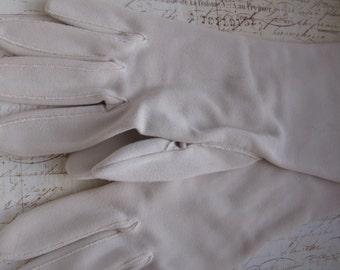 Vintage 1950s Warm White Gloves JC Penney Size 6.5-8 100% Nylon