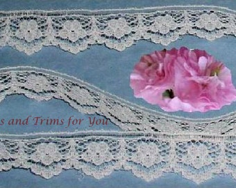 Ivory Lace Trim 15 Yards Scalloped 5/8 inch wide Lot N89 Added Items Ship No Charge