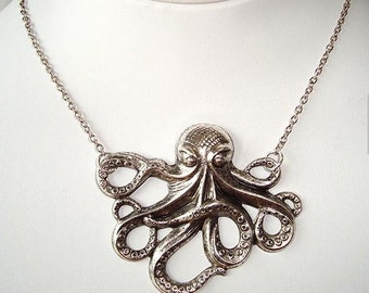OctoPus necklace//Steampunk Octopus//Squid/Tentacles