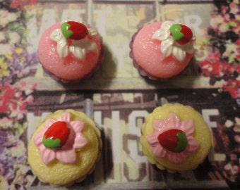Kawaii sponge cake with strawberry cabochons decoden deco diy charm   4 pcs  USA SELLER