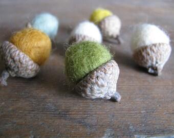 Wool acorns, set of 6, Spring Meadow, woodland birthday decor, pastel wool acorns, springtime home decor, waldorf gift under 20, wool acorns